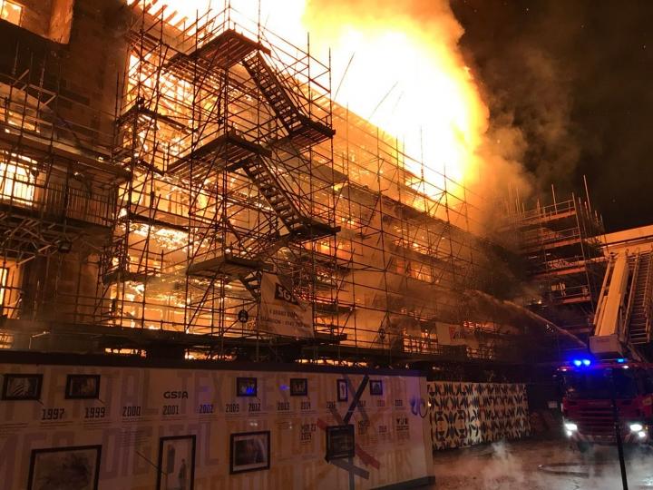 Újra leégett a felújítás vége felé járó Glasgow-i School of Art híres Mackintosh épülete!